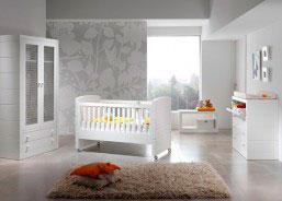 Dormitorio para bebé con cuna de 140, armario 2 puert
