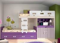 Habitación infantil con cama compacta block para colchón de 90 x 190.Esta cama alta queda protegida por una barandilla quitamiedos de DM.La base es un módulo block con encimera extraíble de 118 de alto x 98 cm de fondo.La cama inferior es para colchón de 90 x 190, y dispone de un nido con dos cajones con ruedas en su base.Una escalera corta de DM con el mismo diseño que la barandilla quitamiedos, permite el acceso a la cama superior.