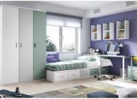 Dormitorio infantil con armario rincón chaflán-recto de puerta lisa + 6 cajones vistos a la parte derecha (218 x93,5 x 139)La cama situada al lado es un mueble compacto 63-R mixto con base de 30 y brazo arcón izquierdo para somier de 90 x 190, base desplazable de 180 x90 + módulo de 4 contenedores.La zona de estudio se compone de una encimera recta de 151 que cuenta con un soporte metálico lateral para mesa de estudio de 49 cm de fondo x 71,5 de altura, y de un soporte metálico a escuadra.La composición mural se ha realizado con dos muebles diáfanos altos con 2 separadores, de 151 cm.Debajo de la mesa, se ha colocado una mesita con ruedas de dos cajones.
