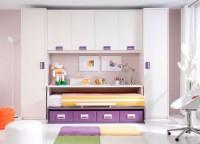 Habitaci�n infantil compuesta por compacto 1 cama con 4 contenedores y mesa, ambas con ruedas y puente con 2 armarios a los lados de 52x240.