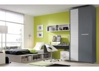 Dormitorio juvenil que se compone de un arcón elevable lateral con estantería, mesa de estudio con apoyo en la cama y cajonera con ruedas, estantería desigual a pared y armario de 100x220 con partidor interior y estantes.