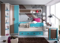 Dormitorio juvenil muy practico, que consta de armario terminal con estantes zapatero, armario rincón con puertas curvas, compacto con cama baja deslizante y 4 cajones con guías metálicas,altillo de colgar con puerta, escritorio con soportes y cmesilla con 3 cajones con ruedas