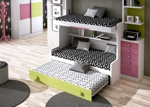 Habitaci n infantil con mueble compacto de 3 camas elmenut for Habitacion 3 camas