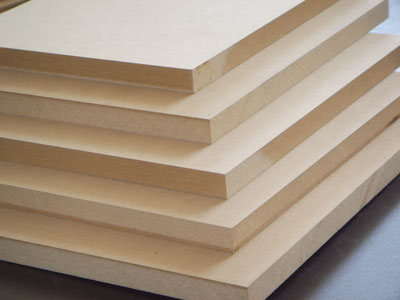 tablero de DM (Densidad Media) o en inglés MDF (Medium Density Fibreboard)