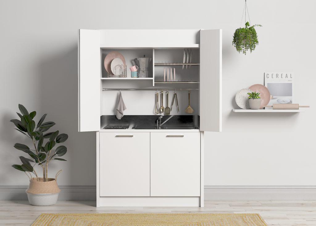 Mini cocina blanca con nevera y puertas plegables