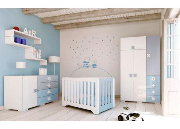 Habitación de bebé equipada con cuna MATHS para colchón de 60 x 120, cómoda y armario de 2 puertas.