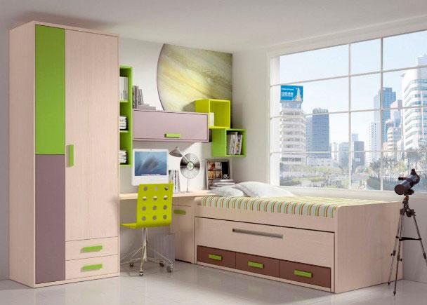 Habitación infantil equipada con un compacto de 2 camas con base de tablero. La cama superior está pensada para un somier de 90 x