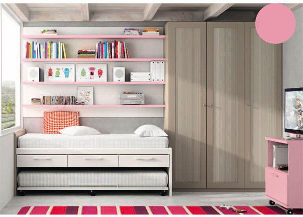 Dormitorio infantil con amplia armariada de 3 puertas de 151,8 de ancho x 226,4 de altura.Junto al armario se sitúa la cama, para lo que