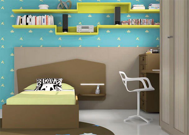 Dormitorio infantil con armario de 2 puertas de 102 x 226,4 de altura. La cama es una cama con cabezal, para somier de 90 x 190. El cabezal pre