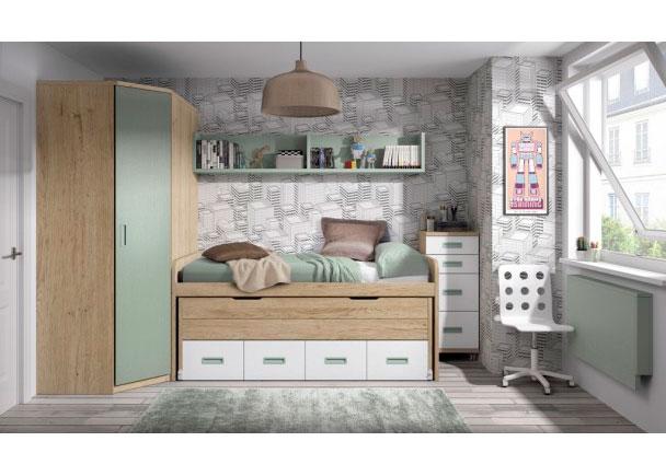 Habitación infantil con compacto de dos camas y un armario rincón en chaflán. A la derecha de la composición se ha colocado un práctico sinfonier