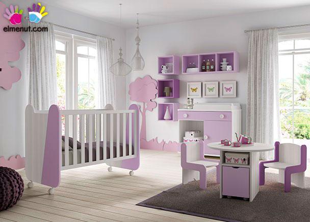 Habitación Infantil con cuna + Comodín-Cambiador + Mesita infantil.Los elementos que integran este ambiente son los siguientes:-Cuna modelo MIKI c