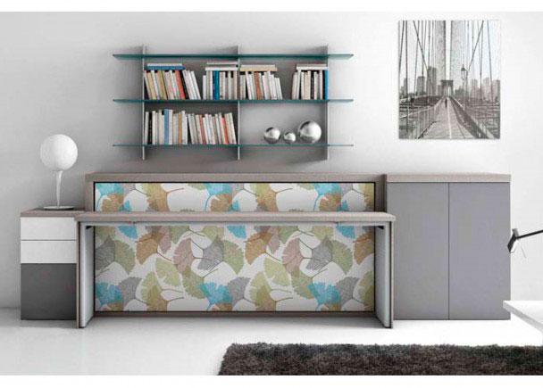 Composición de cama abatible con mesa sobre el frontal de la cama