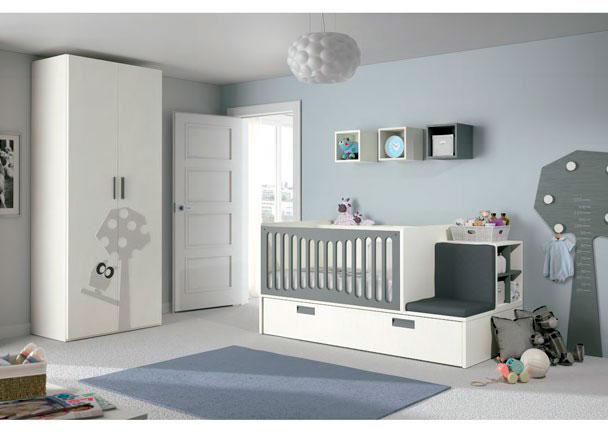 Dormitorio para bebé con cuna convertible especialmente diseñada pensado en las mamás durante el periodo de lactancia.