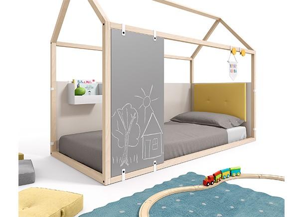 Dormitorio infantil con cama en forma de casita, fabricada en madera de haya  + complementos personalizables.