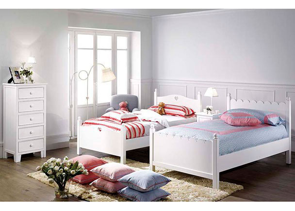 Dormitorio lacado en blanco con 2 camas sinfonier y - Dormitorios infantiles para dos ...