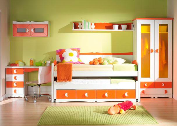 Habitaci n infantil con armario y compacto elmenut for Armario habitacion infantil