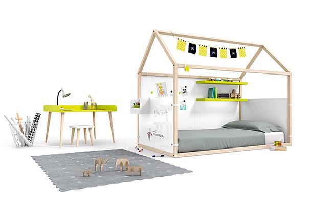 Habitaci n con cama en forma de casita fabricada en haya for Cama de casita