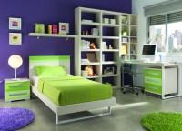 Zonas de estudio: Habitación Moderna y Fresca, zona de estudio con una importante librería. La mesa de estudio se fabrica a medida.