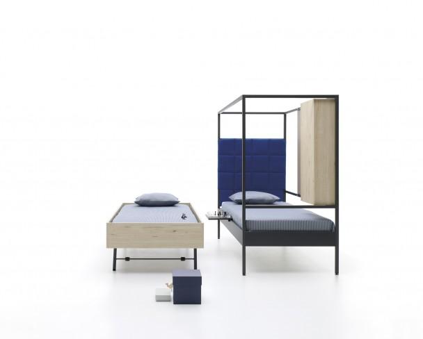 Cama abatible vertical con sofá abierto